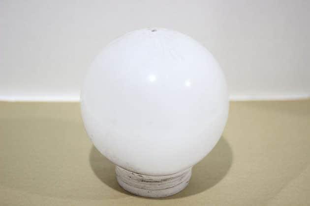 Chuẩn bị một quả cầu nhựa
